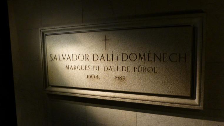 photo of dali's crypt