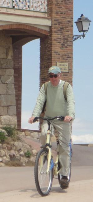 Photo of Tom on bike at Sant Mardi
