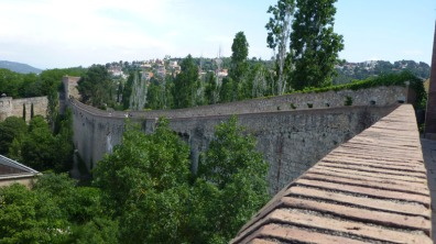 Photo of city wall.