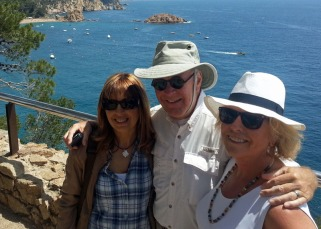 Jeanette, Tom, and me with Tossa's north beach in the background. (Photo by Vicens Ripol)