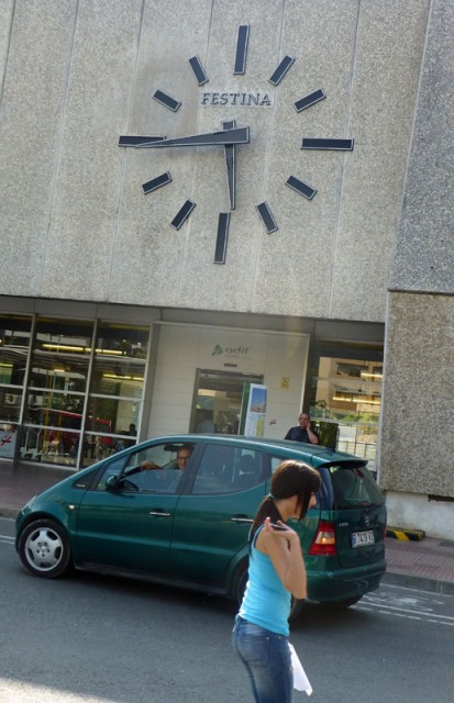 the clock at the girona train station