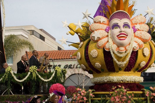Photo of big head at Tournament of Roses Parade