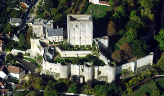 Loches dungeon (click to enlarge)