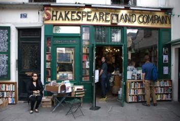 Shakesoeare and Company bookstores