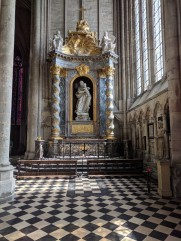 amiens church altar